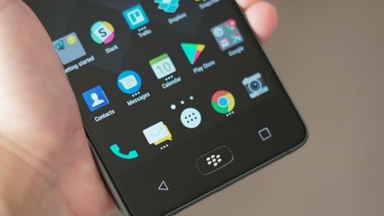 BlackBerry Motion durdurulamaz! (Video)