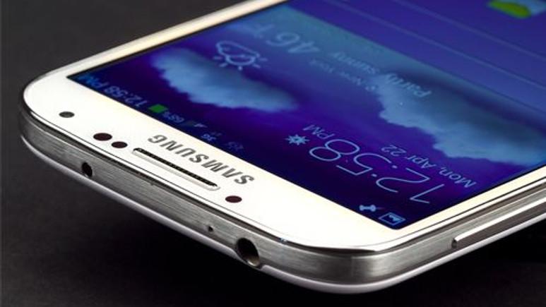 Galaxy S5 metal kasa ile geliyor!