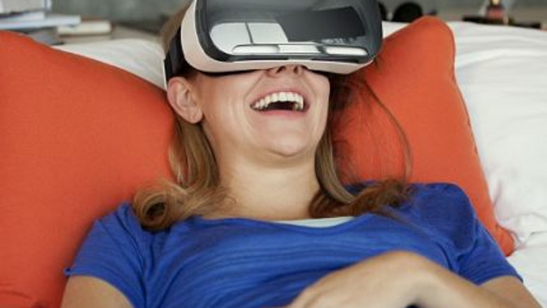 Samsung'un yeni nesil sanal gerçeklik gözlüğü Gear VR Pro mu?