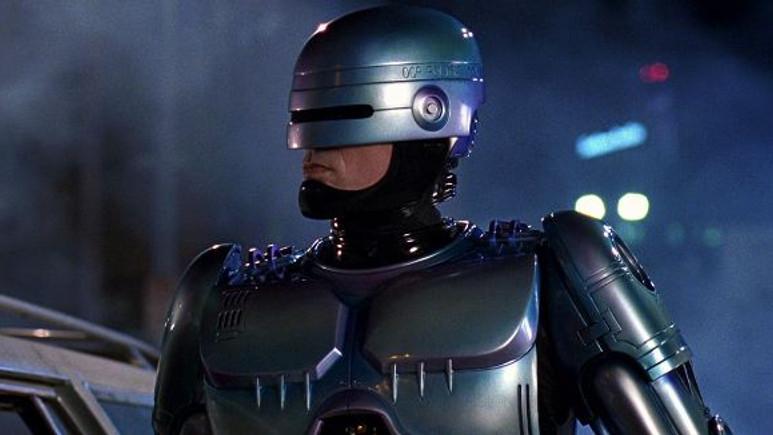 Efsane geri dönüyor: RoboCop