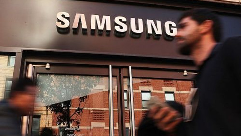 Samsung, katlanabilir telefonu için tarih verdi