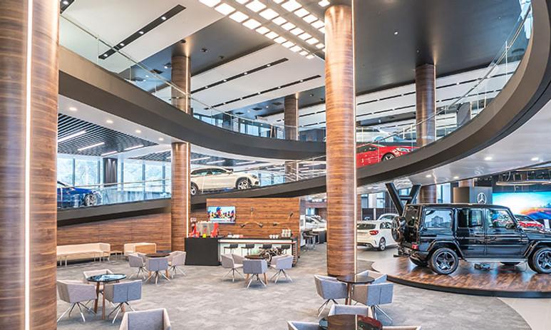 Mercedes'ten teknolojik showroom!