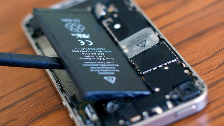 iPhone'unuz yavaşsa bataryasını değiştirin!