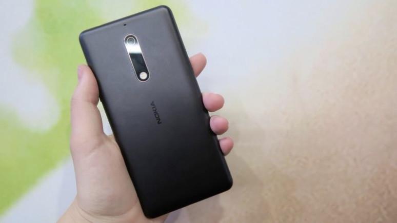 Nokia 5 için dev Android Oreo güncellemesi!