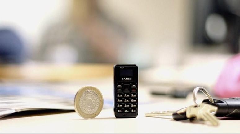 İşte dünyanın en küçük telefonu!
