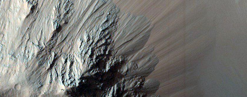 Mars'ta kış çok farklı geçiyor! - Page 1