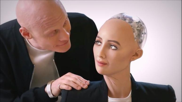 İlk vatandaş robot Sophia'nin artık bedeni var
