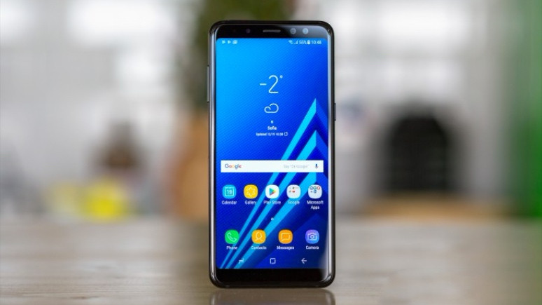 Çift ön kameralı Galaxy A8+ (2018) Türkiye'de!