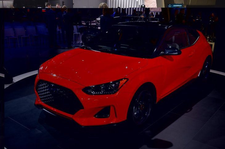 2019 Hyundai Veloster - Page 2