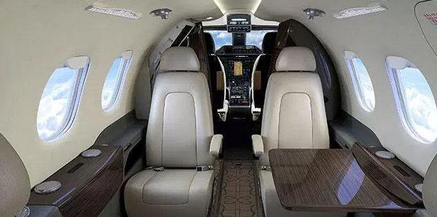En pahalı uçağa sahip 10 futbol yıldızı ve uçakları - Page 3