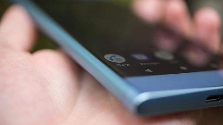 5 inç ekranlı Sony Xperia akıllı telefon ortaya çıktı