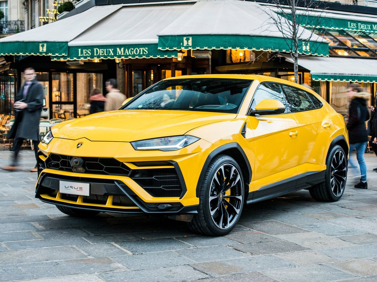 Lamborghini Urus 2019 - Page 2