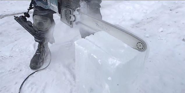 Lada aracını Lamborghini'ye çevirdi kaportası tamamen buzdan - Page 3