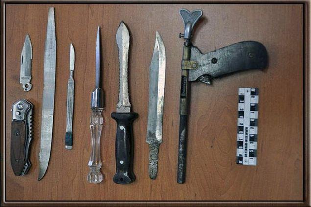 Mahkumların cezaevi koşullarında yaptığı silahlar - Page 3
