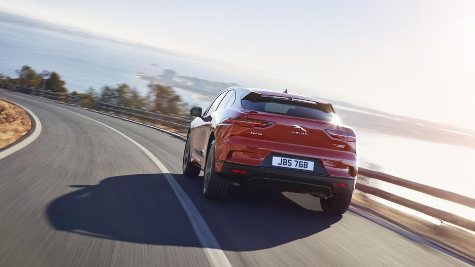 Tesla'nın yeni rakibi Jaguar Pace! - Page 2