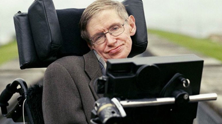 Stephen Hawking hayatını kaybetti!