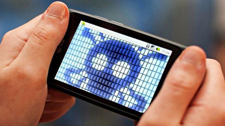 İngiliz polisi telefonları izinsiz gözetleyecek