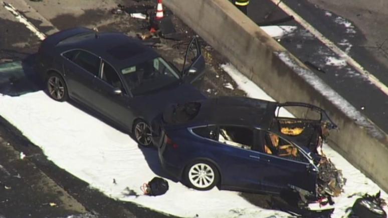 Tesla kazasında araç otopilottaydı