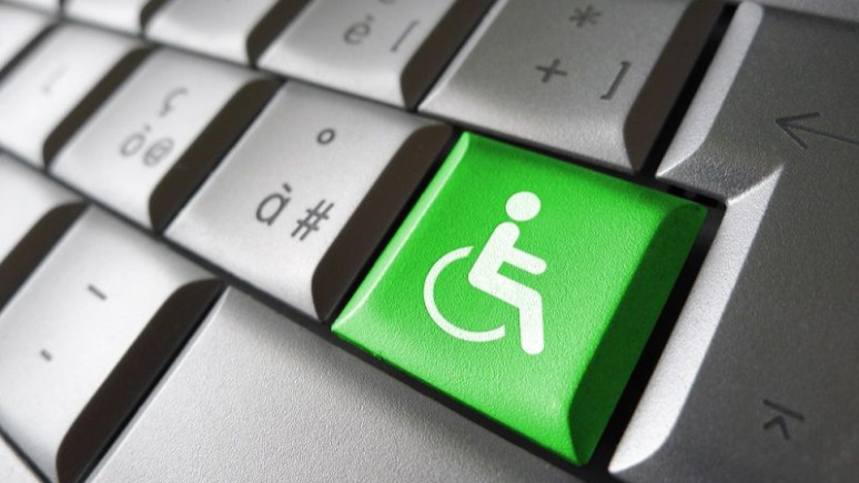 Engelliler bilgisayarı gözleriyle kullanacak!