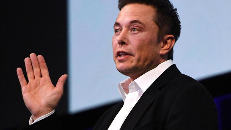 Elon Musk Türk mühendise ayar verdi!