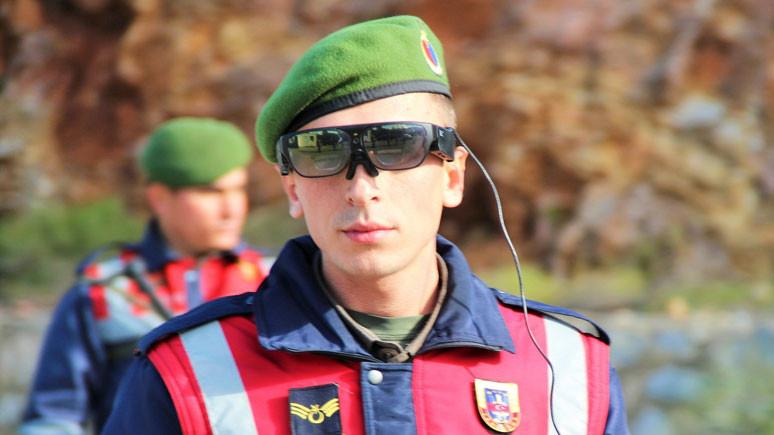 Jandarmaya akıllı gözlük