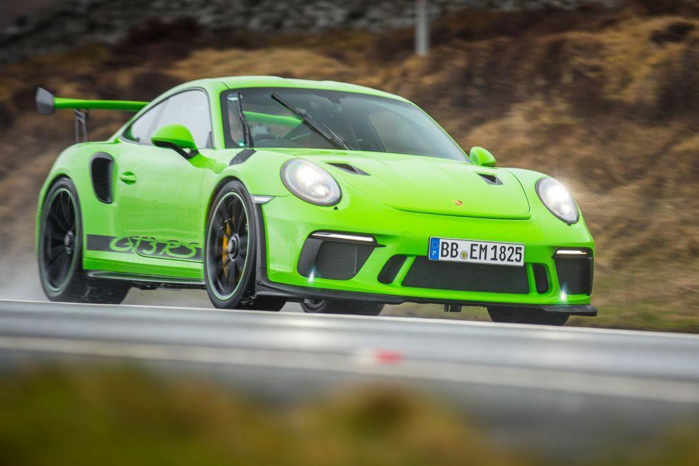 Yeni asfalt canavarı Porsche 911 GT3 RS - Page 1