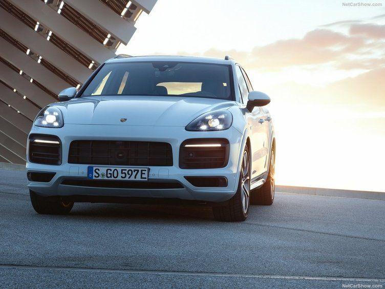 Elektrikli ve hızlı: 2019 Porsche Cayenne E-Hybrid - Page 1