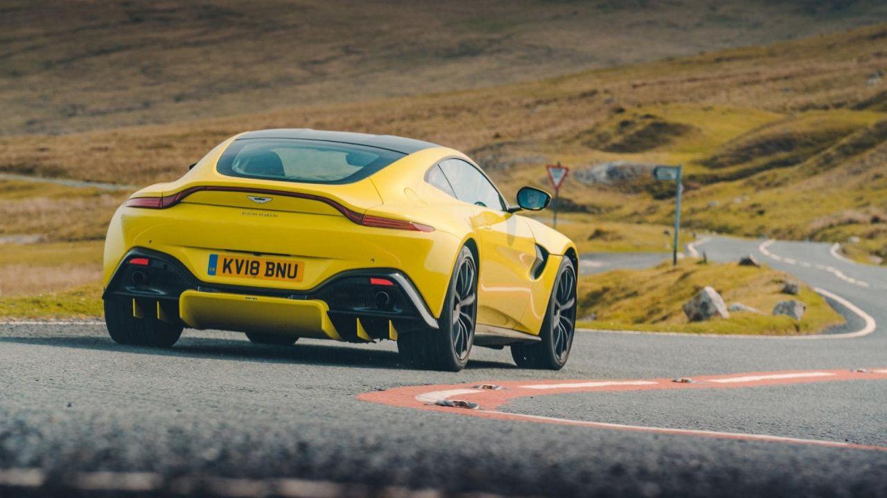 Aston Martin Vantage yenilendi! - Page 3