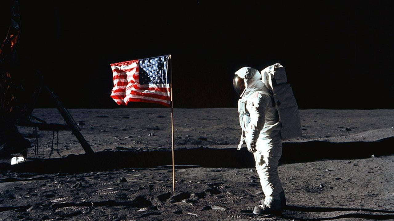 NASA Ay'a yeniden insanlı uzay aracı gönderecek