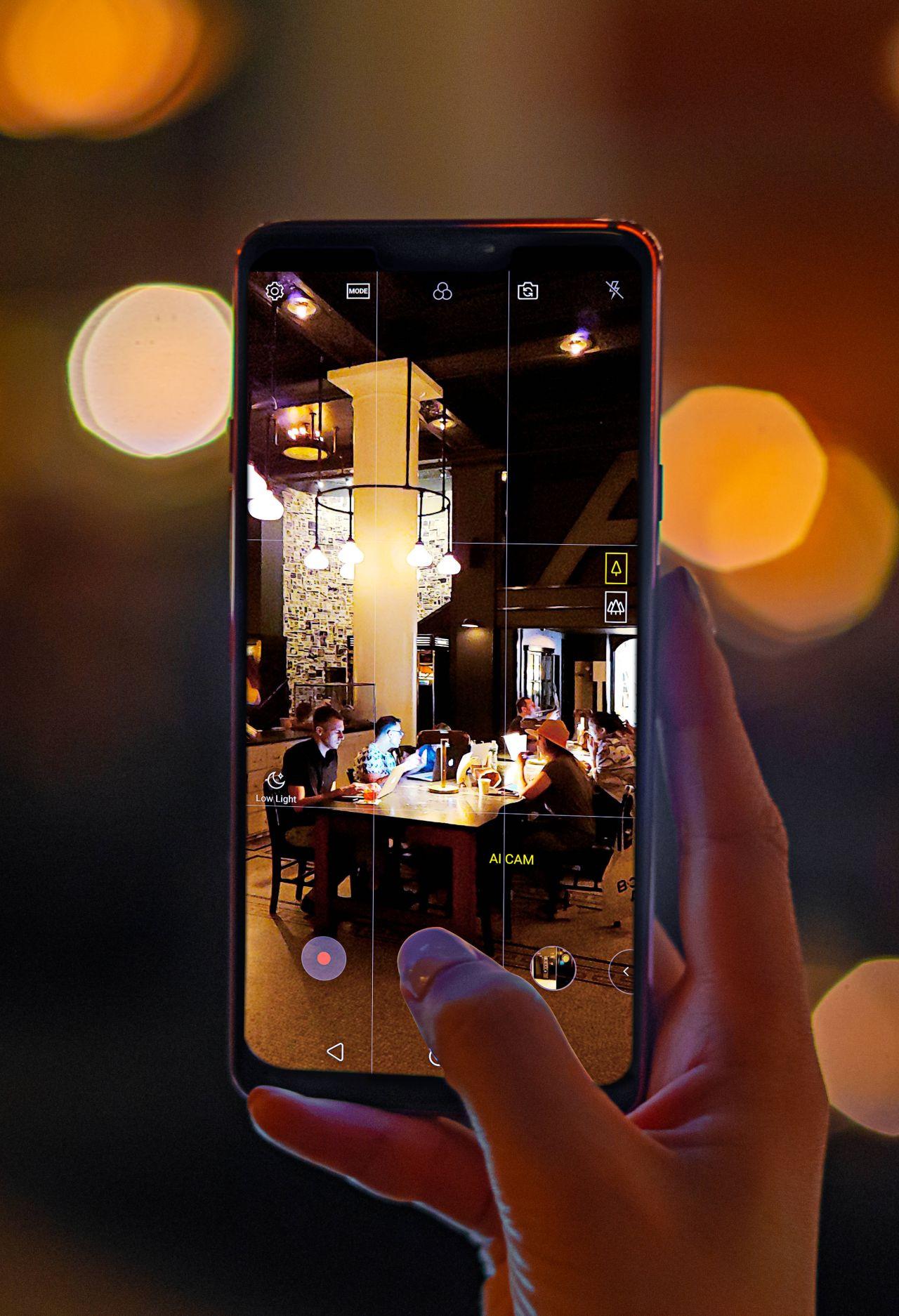 LG G7 ThinQ'in yeni görselleri - 2 - Page 4