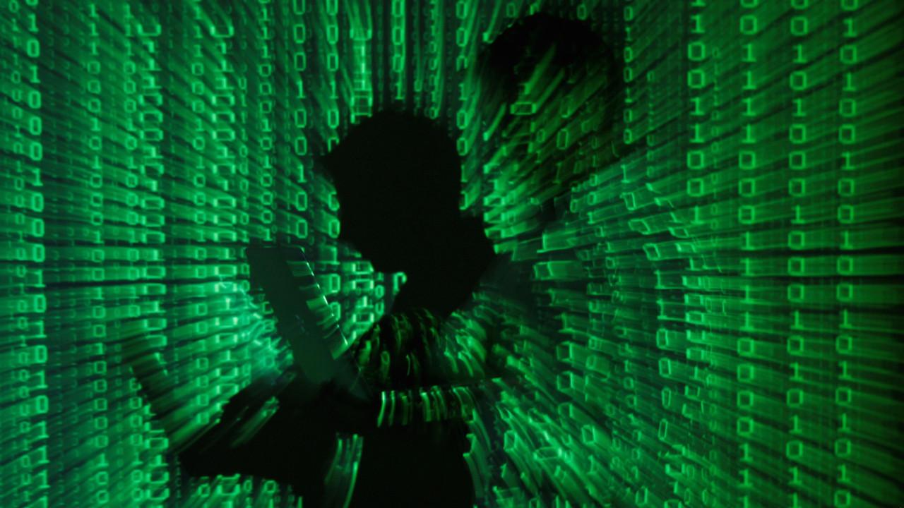 Despacito'yu silen YouTube hackerları yakalandı!