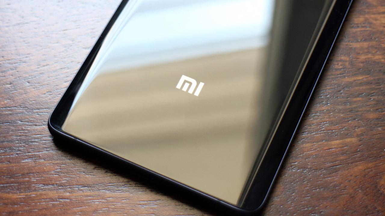 Xiaomi Mi 8'in fotoğrafları!