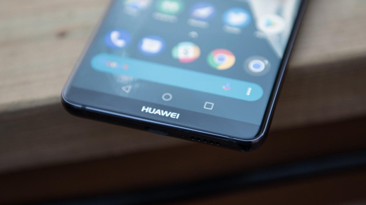 Huawei Mate 20 kendisini gösterdi!
