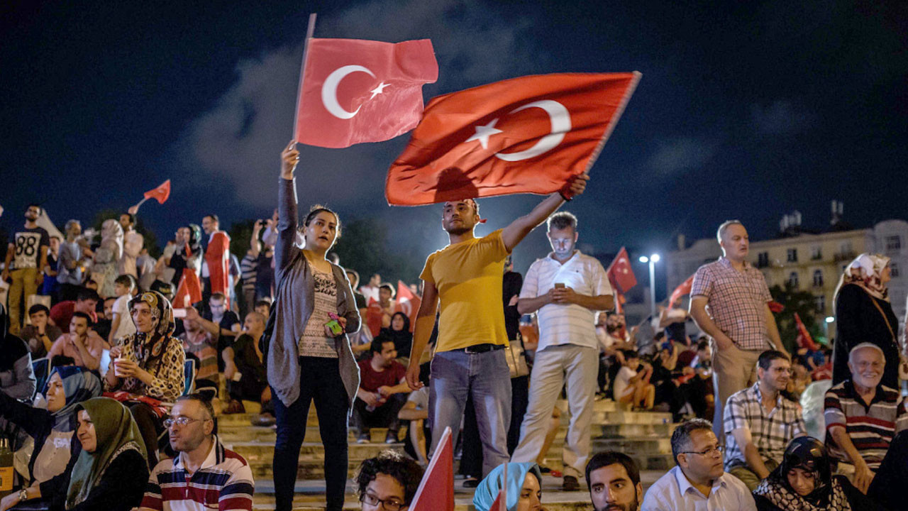 Türk Telekom'dan, 15 Temmuz'a özel iletişim desteği