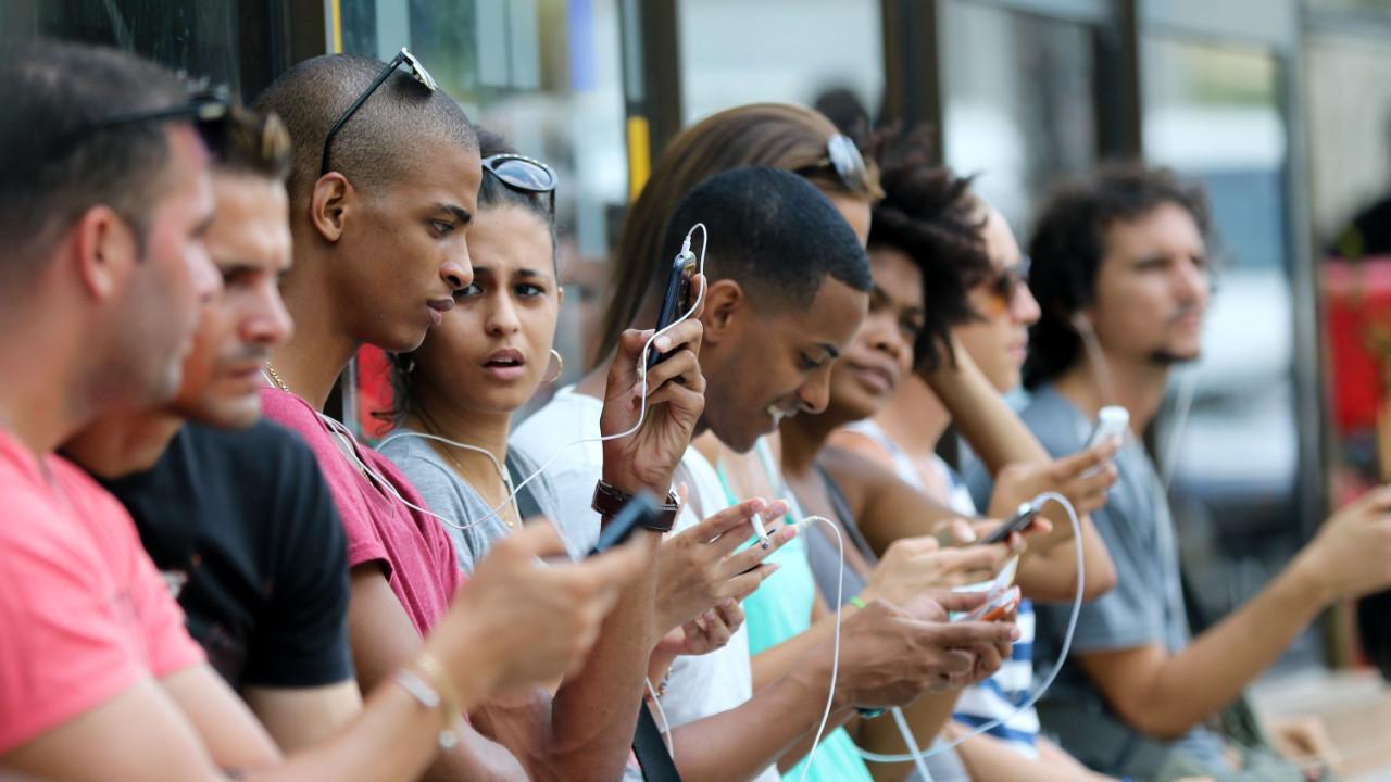 Küba'ya mobil internet yolda!