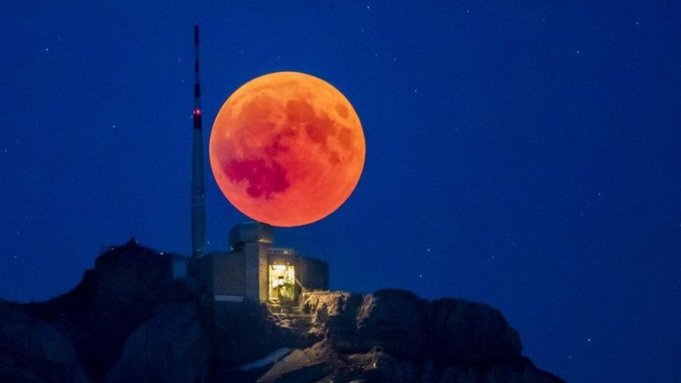 Tüm çıplaklığıyla Kanlı Ay Tutulması! - Page 3