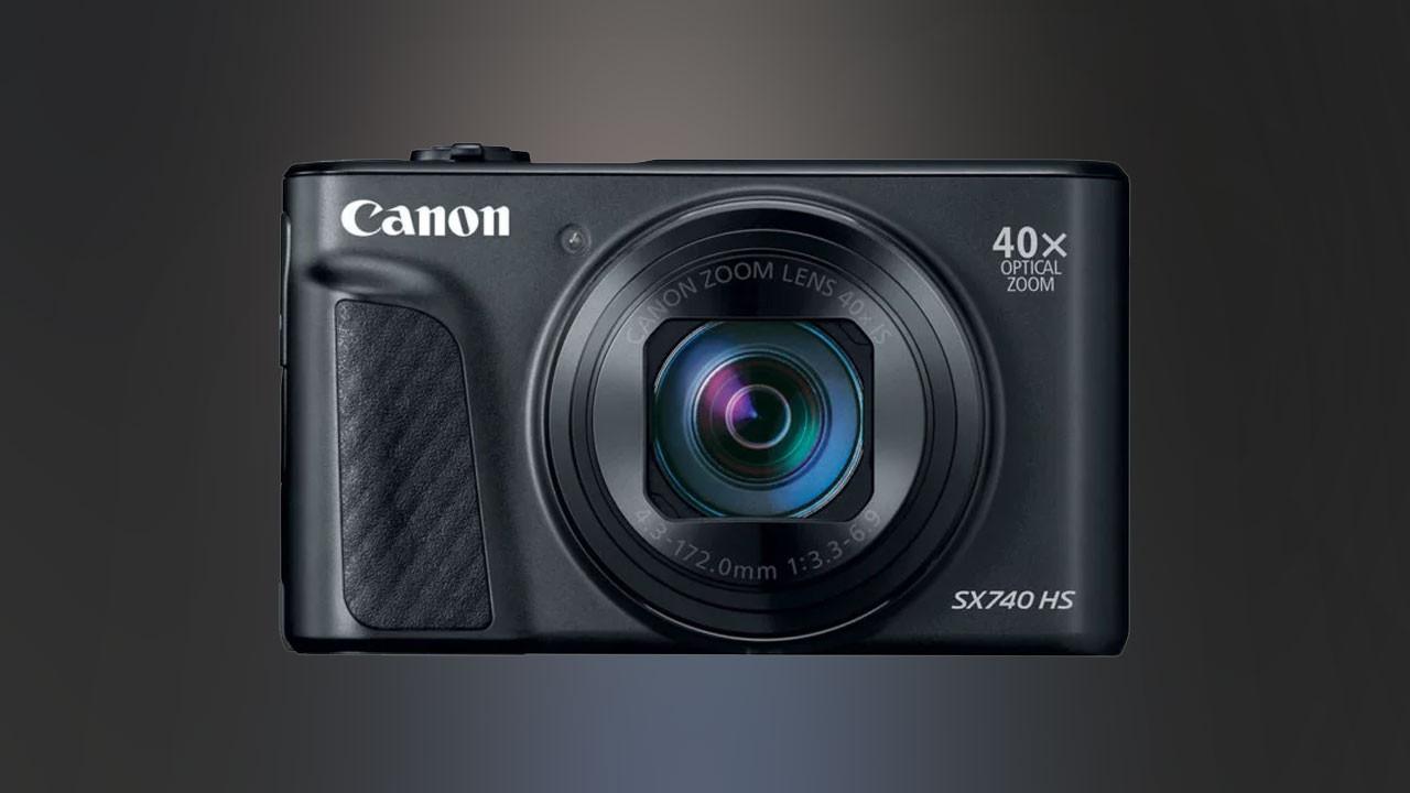 Canon SX740 HS duyuruldu. 40X optik zoom!