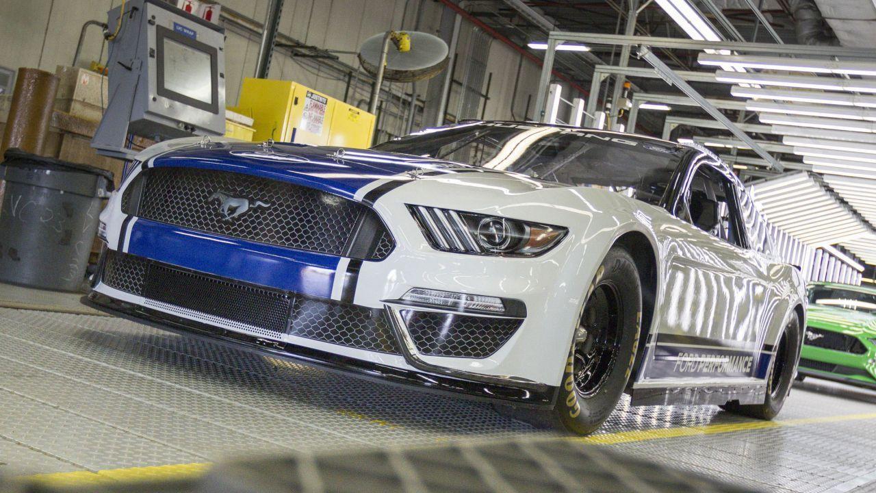 İşte karşınızda 2019 Ford Mustang Monster Energy NASCAR! - Page 1