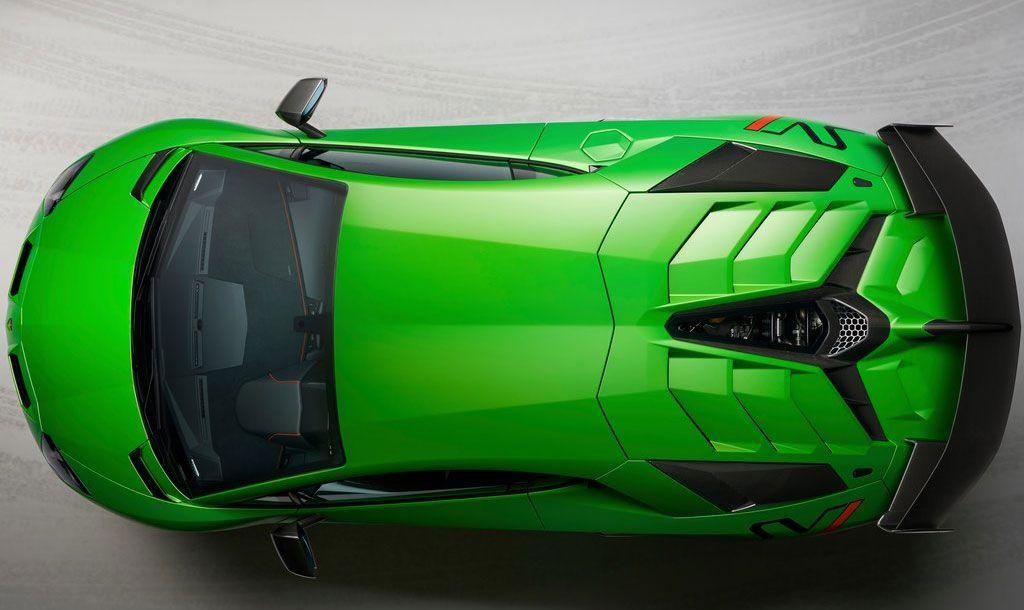 770 beygirlik canavar: Lamborghini Aventador SVJ - Page 2