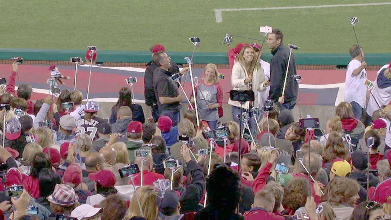 Stadyumlara selfie çubuğu yasağı geldi