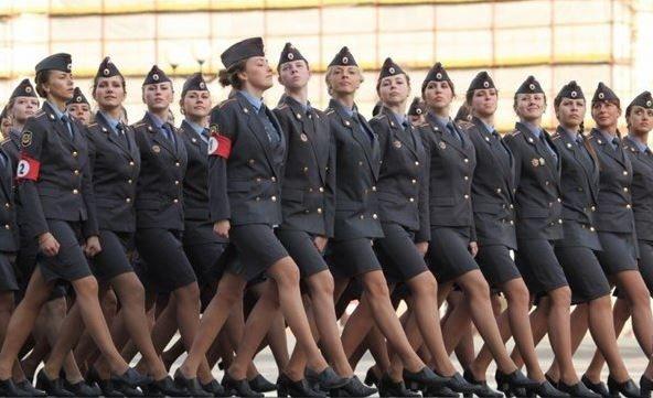 Rusya'nın fenomen kadın polisleri! - Page 2