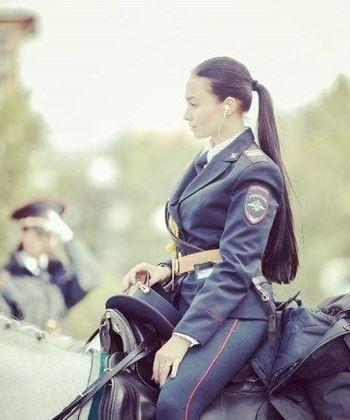 Rusya'nın fenomen kadın polisleri! - Page 4