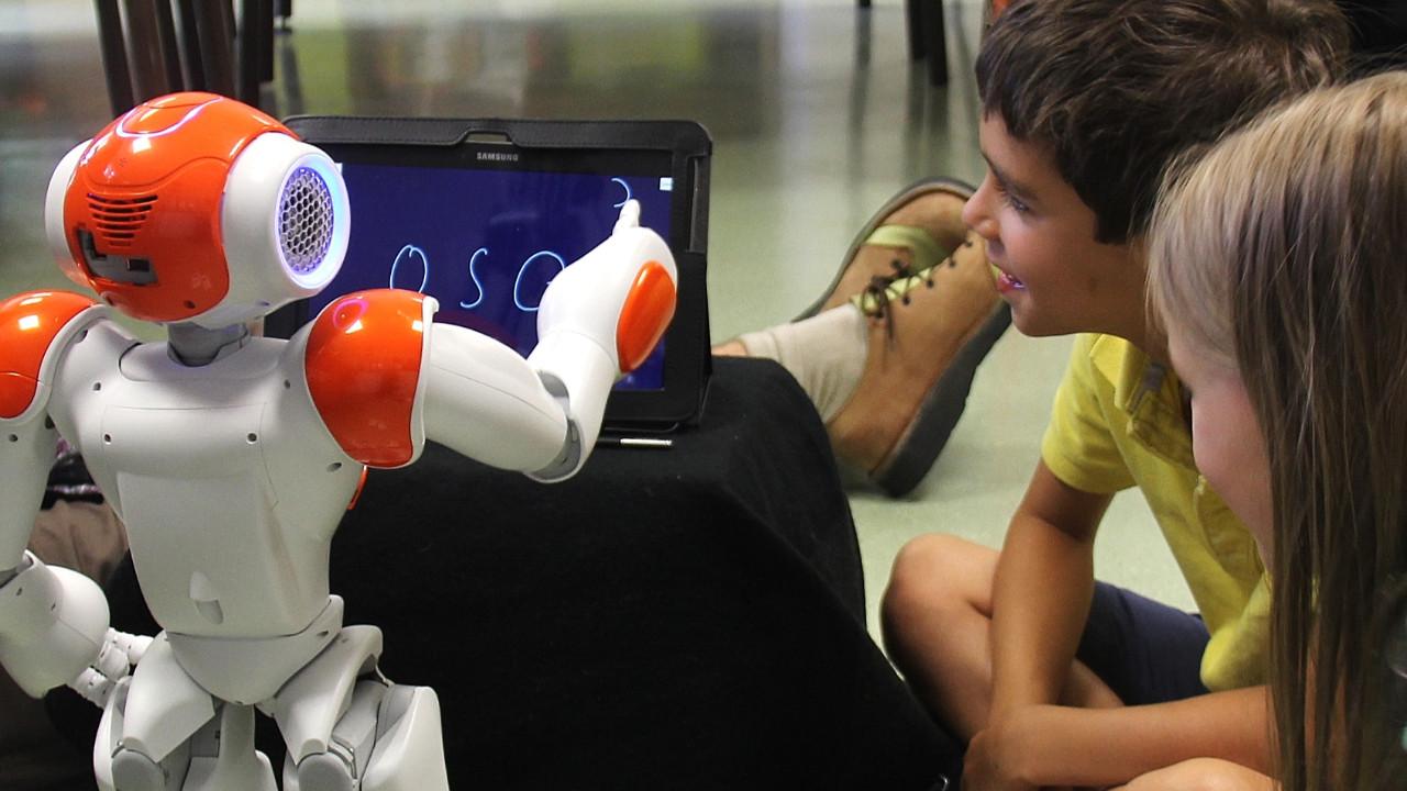 Robot öğretmenler geliyor!