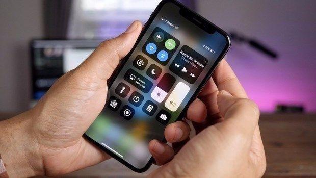 Apple'dan tepki çeken iPhone hatası! - Page 1