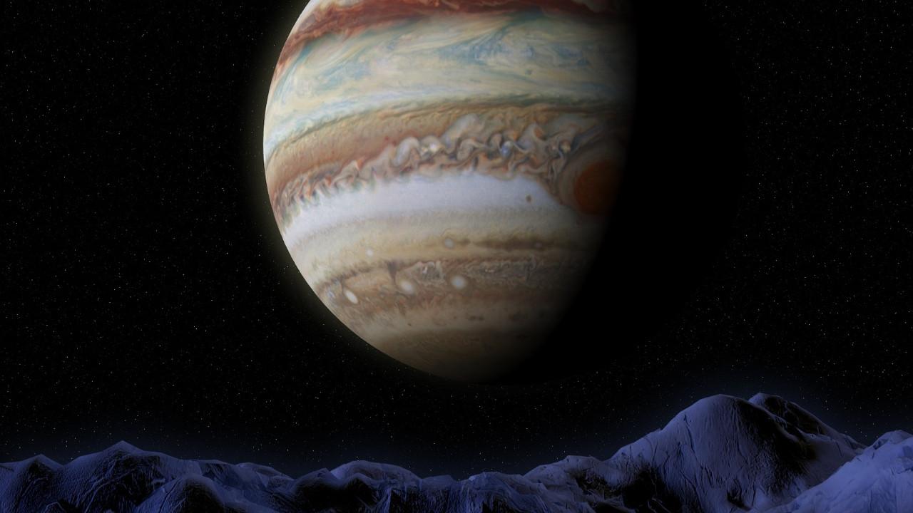 Jüpiter'deki dev kasırgalar şaşırttı!