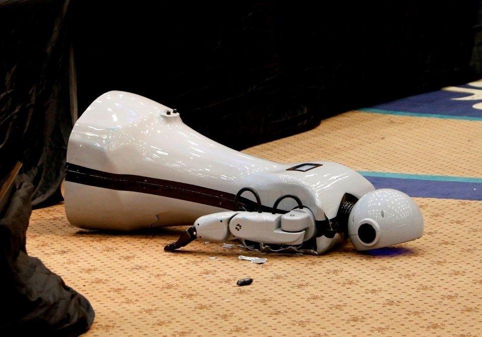Robot Mini Ada'ya binlerce kişiden geçmiş olsun ziyareti! - Page 1