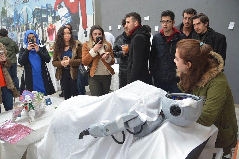 Robot Mini Ada'ya binlerce kişiden geçmiş olsun ziyareti! - Page 3