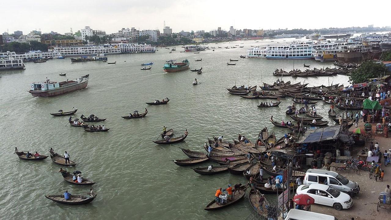 Bangladeş'te mobil internet tamamen kesildi