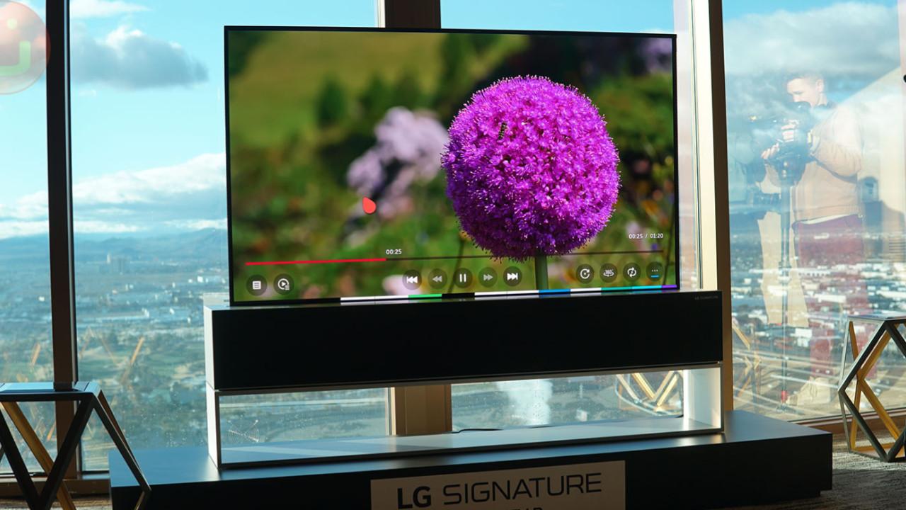 LG'nin katlanabilir televizyonu satışa çıkıyor!