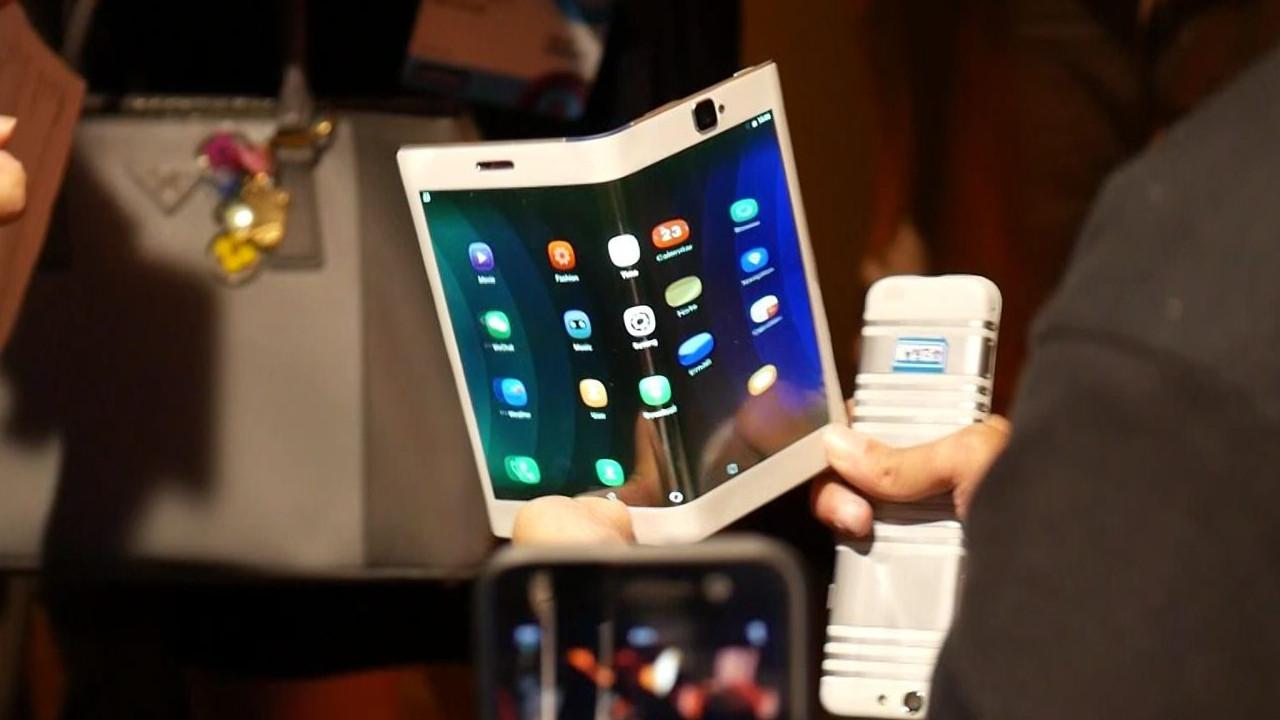 Huawei ilk 5G destekli katlanabilir telefonunu duyurabilir
